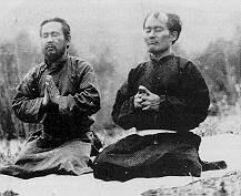 Онисабуро Дэгути (слева) и Морихэй Уэсиба